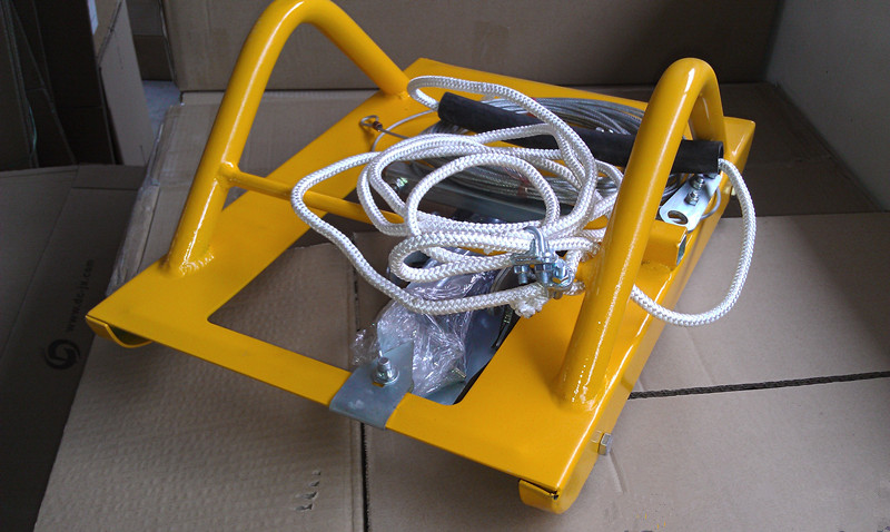 Line cutter for artificial turf